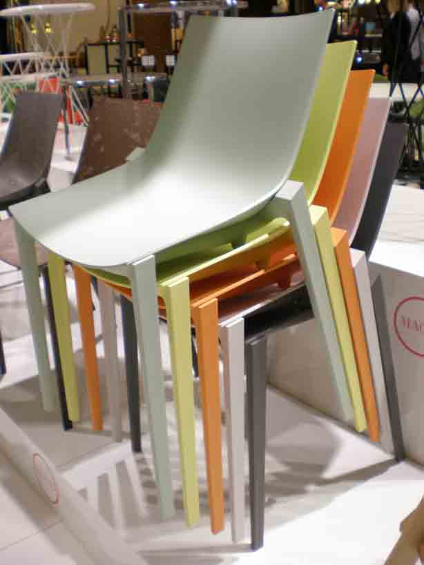 magis-starck-Outdoor-chairs-1-Pastel-colors-