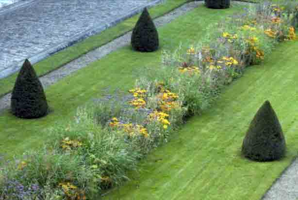 paris-archives-nationales-garden-planting-benech