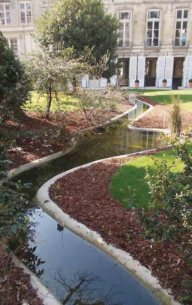 paris-archives-nationales-gardens-water-benech