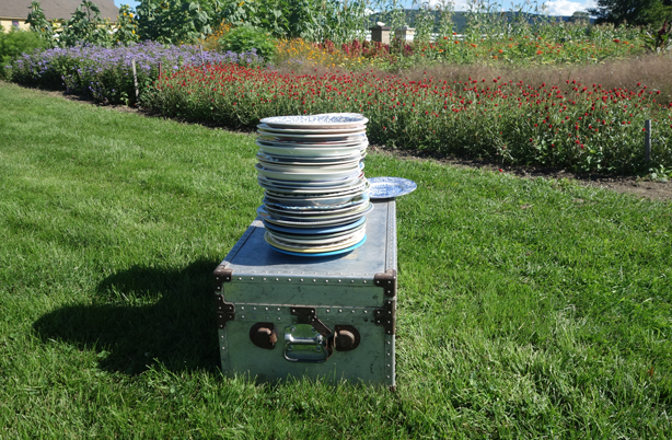 plates-stacked-urbangardensweb