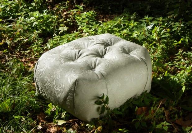 soft-look-Concrete-outdoor-pouf-M-Bench-by-Grupo-Bondi