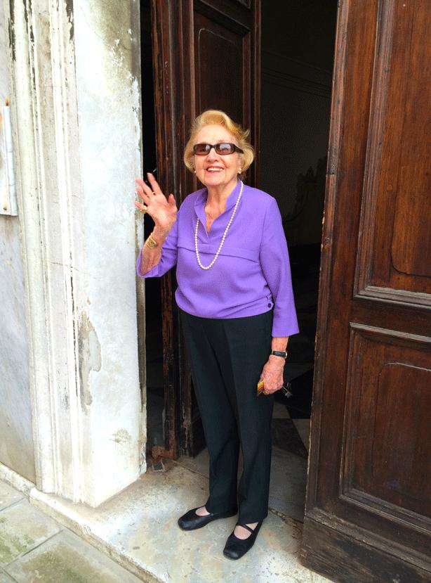countess-anna-barnabo-at-door-614