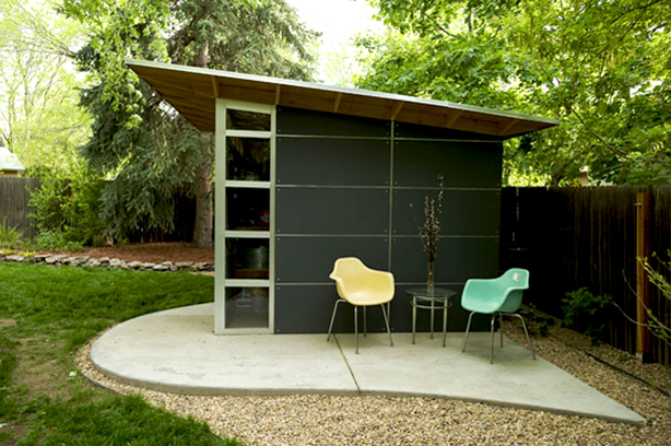 studio-shed-with-patio-chairs