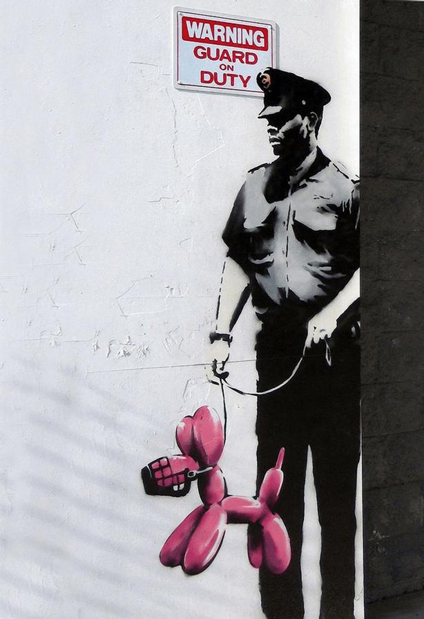 banksy_guard-with-balloon-dog-urbangardensweb