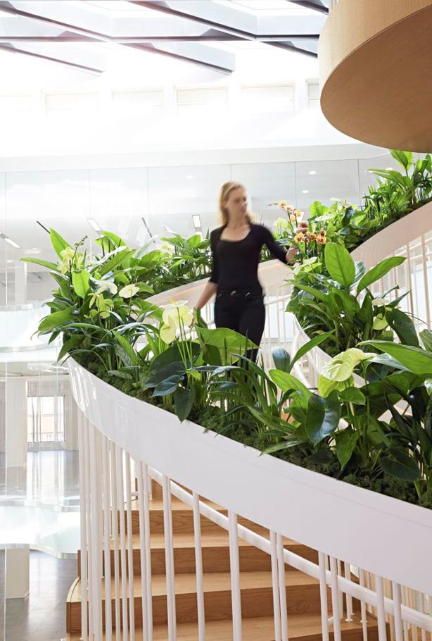 Living_Staircase_Ampersand_urbangardensweb