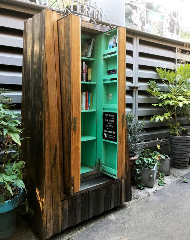 little_lending_library_in_London_secret_garden_urbangardensweb