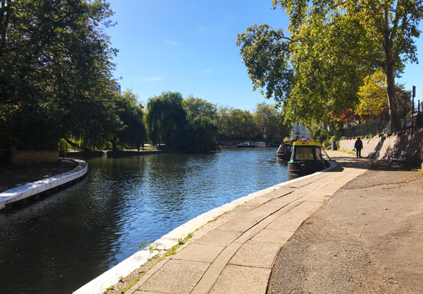 London's Little Venice cruise on the canal.