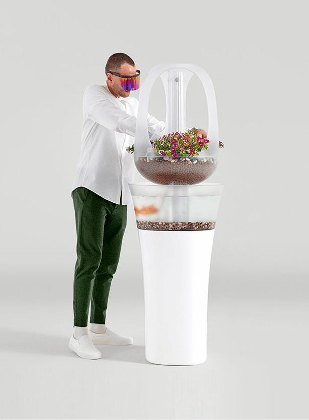Francois Hurtaud self-sustaining home aquaponics system