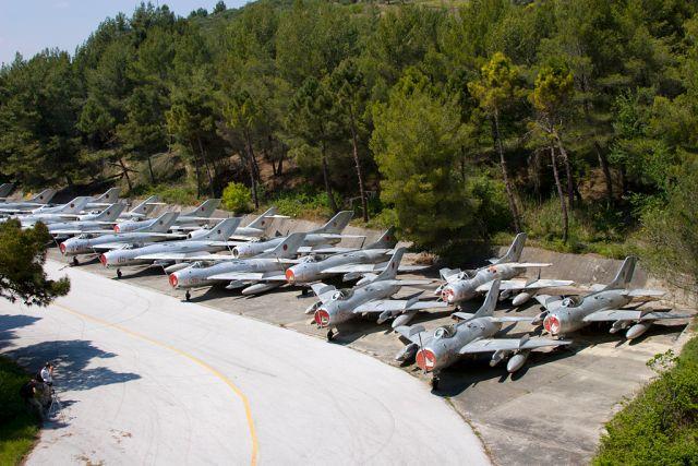 Kuçovë-abandoned-aircraft-graveyard-5