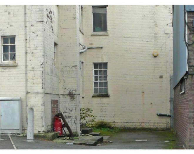 Banksy-urbanite-4