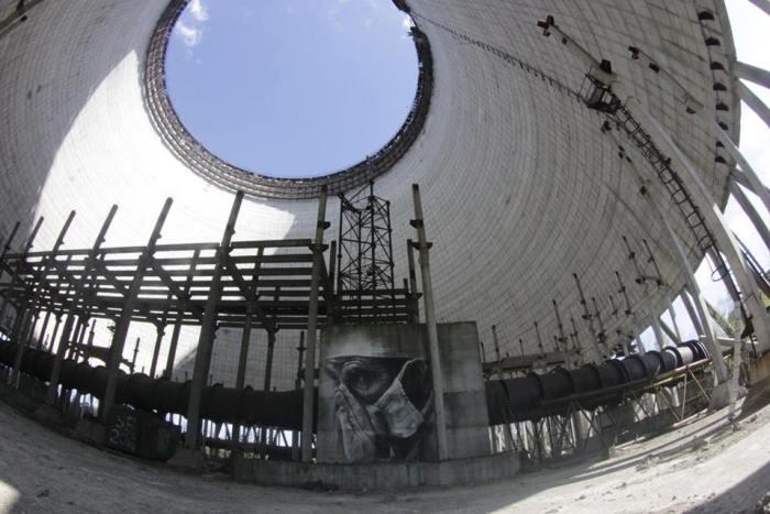 guido-van-helten-chernobyl-11
