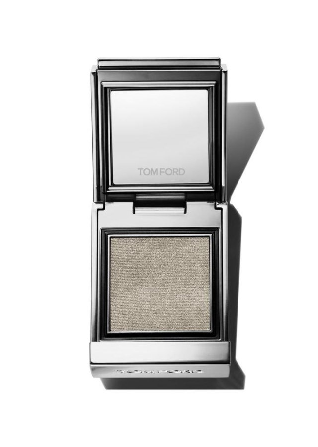 foil shadow 2 11 Seriously Bold Eye Products for Creating a Glam, Foiled Eyeshadow Look