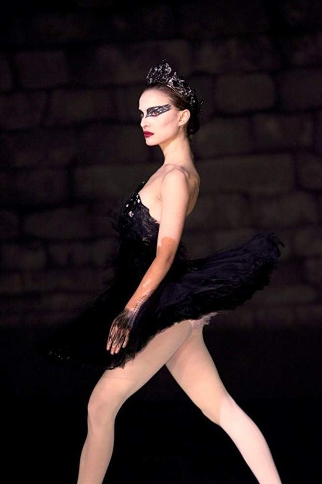 The Swan Queen's Terrifying Look In 'Black Swan'