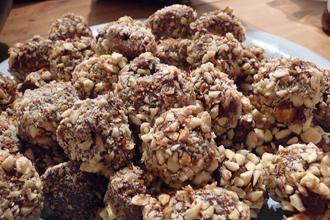 Cocoa snack balls
