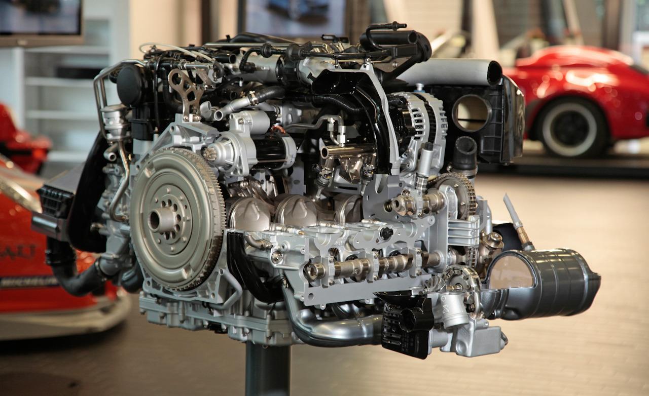 hight resolution of porsche 911 engine