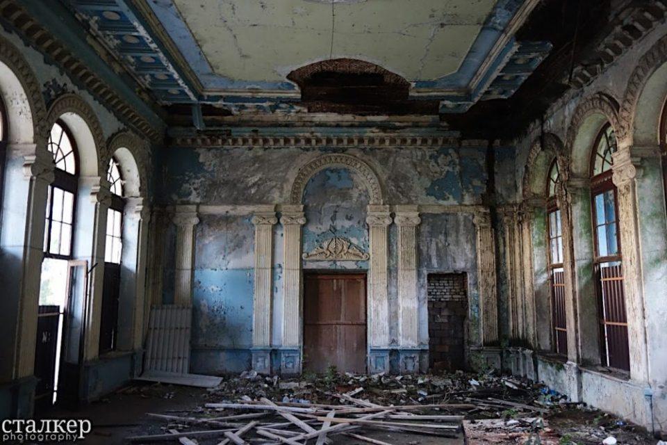 Abkhazia Diary: Abandoned Train Stations