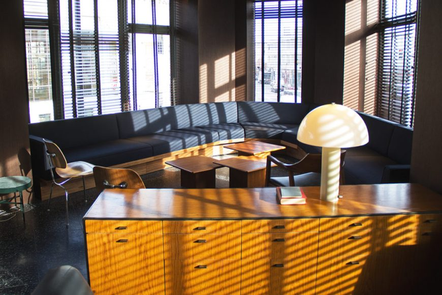 The second floor lounge at the Robey Chicago