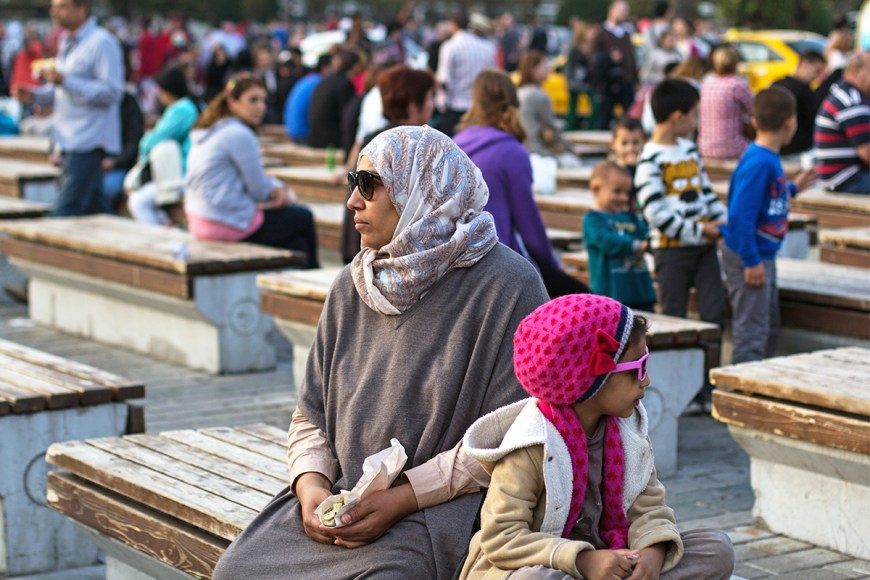 Photo of a mother and daughter outside the Hagia Sophia in Istanbul