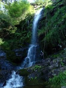 Cascade d'Azeri, massif de la Rhune - Ur eta Lur Canyoning et Randonnée