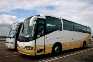 Busreisen mit modernen Reisebussen