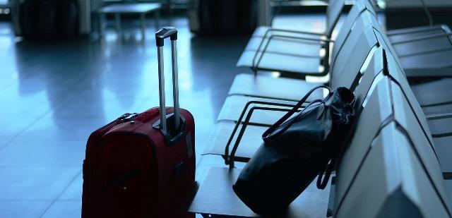 airport-519020_1280