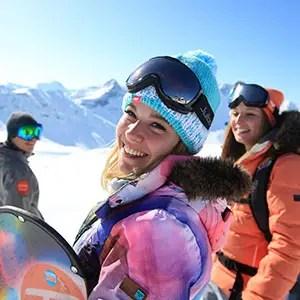 Photo portrait d'une femme au ski pour l'UCPA des Arcs