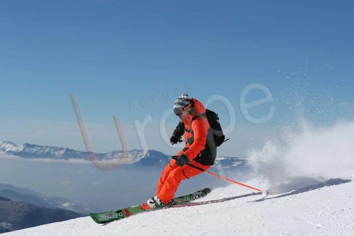 Visuel d'un skieur Freeride avec une tenue de ski Peak Mountain aux Sept Laux