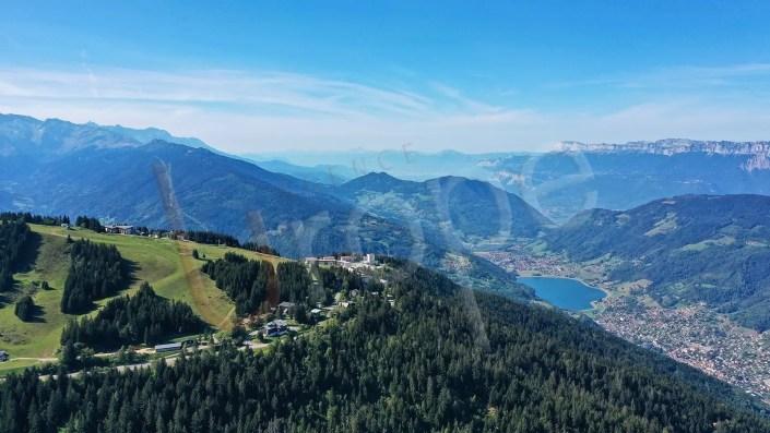 Vue drone du Collet d'Allevard et de la vallée
