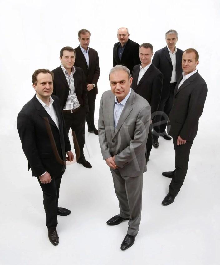 Photo Corporate de chefs d'entreprise en studio par l'Agence Urope pour de l'événementiel