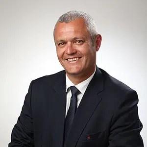Photographie de portrait en haute-définition d'un candidat aux élections municipales de Seyssins