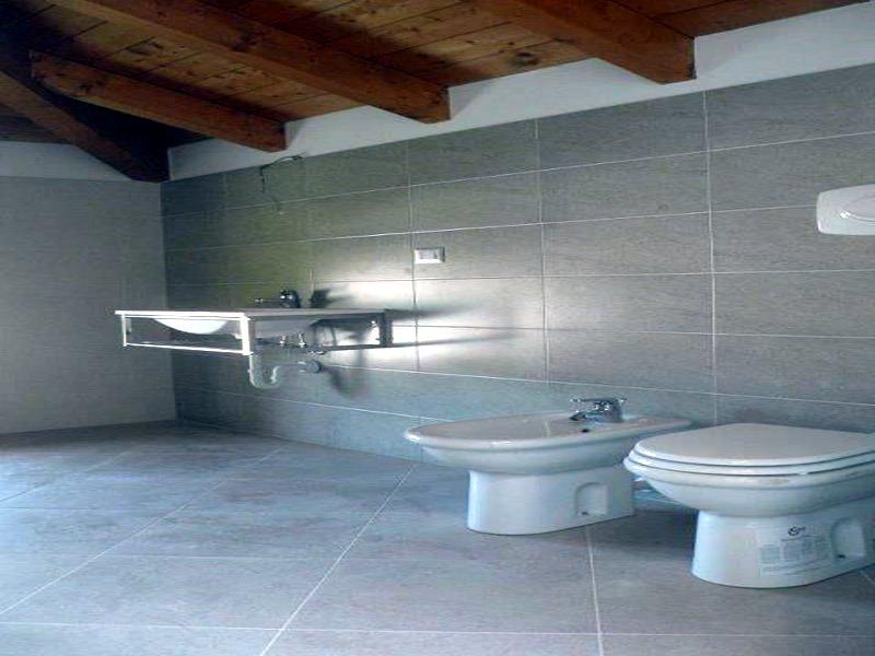Pavimentazioni e rivestimenti bagni  Ursomarso Costruzioni
