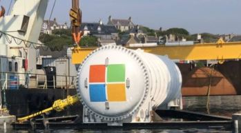 microsoft-under-water-data-center