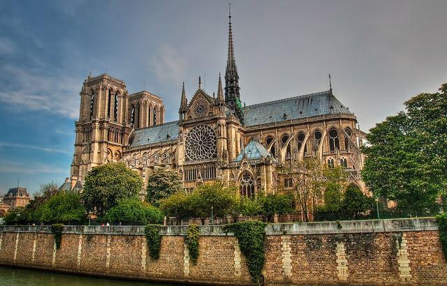 نتيجة بحث الصور عن تعتبر كاتدرائية نوتردام،