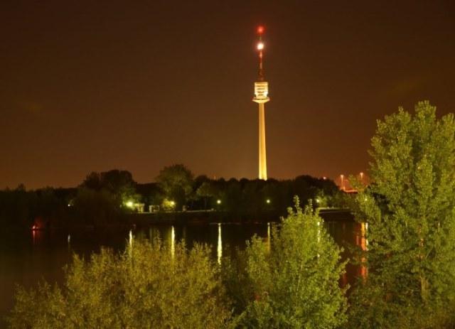 برج الدانوب من معالم السياحة في فيينا