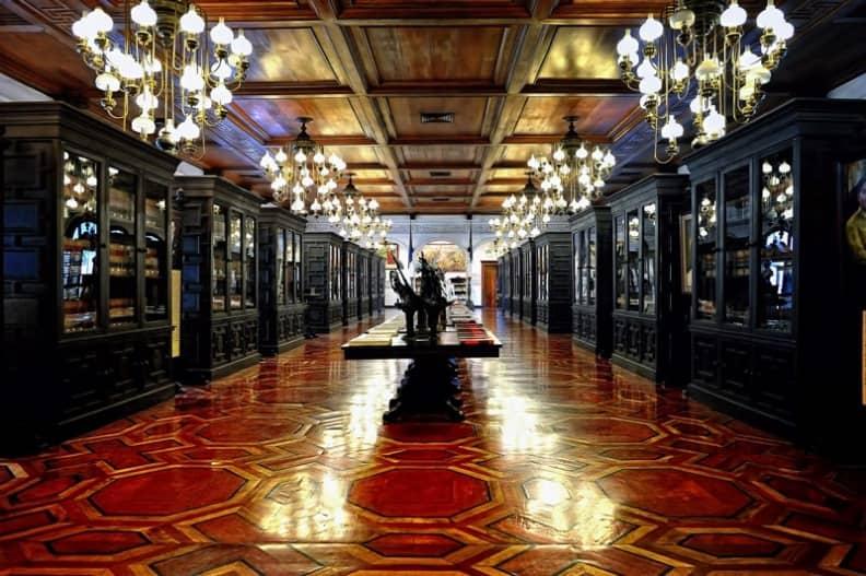 قصر مالاكانانج من اجمل معالم مانيلا السياحية