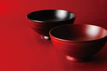 漆器とは?日本古来の工芸品の特徴と技法について
