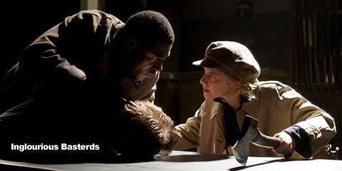 Shosanna Dreyfus (Melanie Laurent) y el cámara Marcel (Jacky Ido) aplicándose...