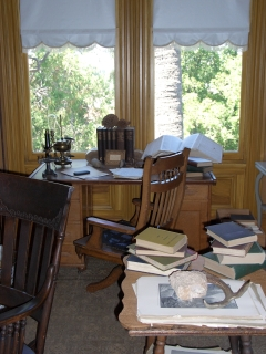 John Muir's Scribble Desk