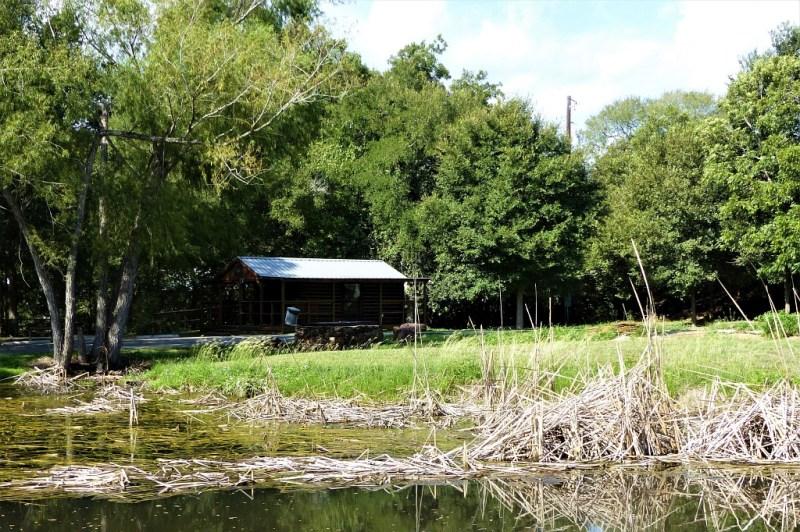 Eine kleine Hütte im Palmetto State Park