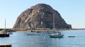 Der Hügel von Morro Bay an der kalifornischen Küste.