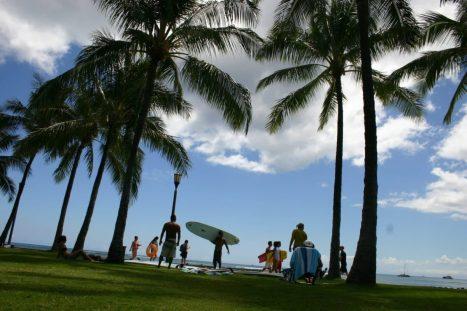 Am Strand auf Hawaii, USA.