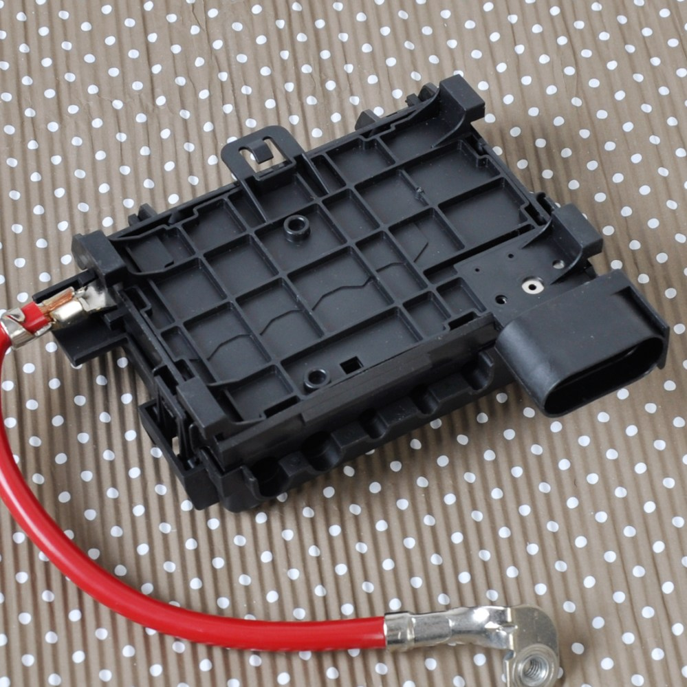 medium resolution of details about fuse box battery terminal for vw beetle golf golf city jetta audi a3 1j0937550a