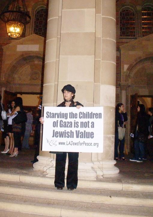 karen-p-w-starving-children-sign