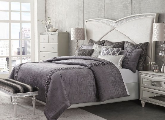 Melrose Plaza Upholstered Bed