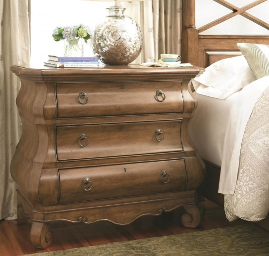 Universal New Lou 3 Drawer Chest