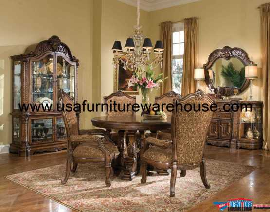 Windsor Court Round Dining Set