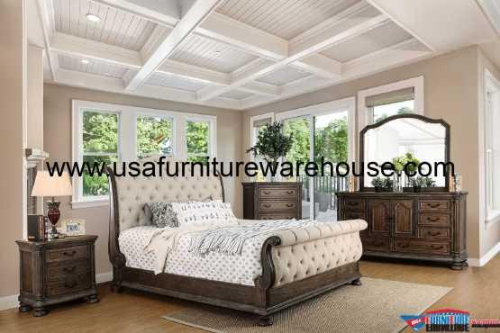 Lysandra Sleigh Bedroom Set