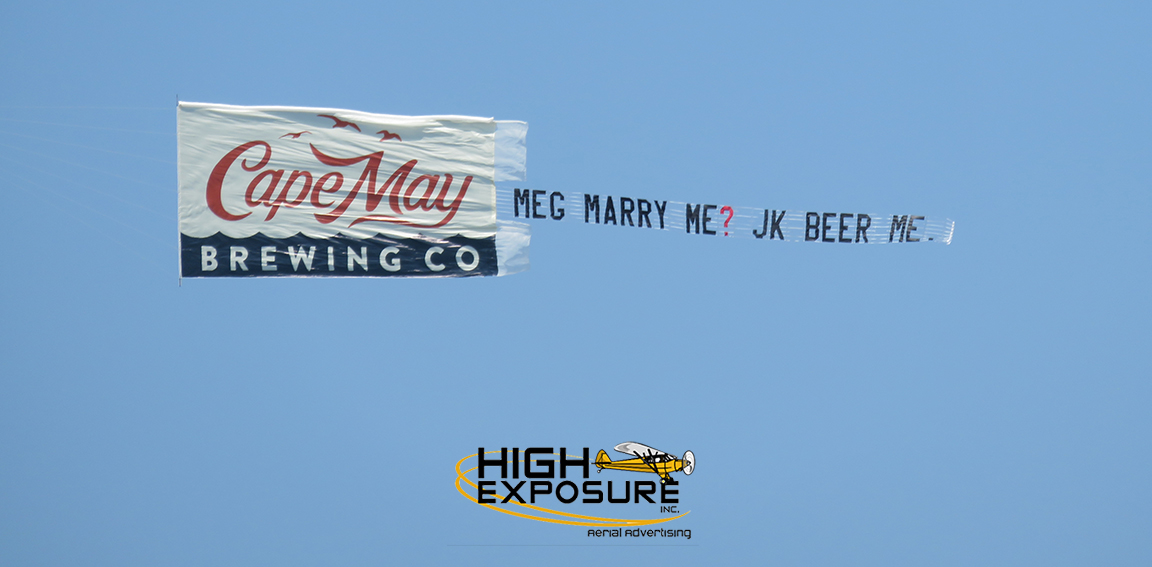 airplane banners and aerial