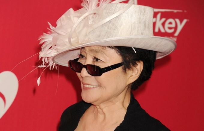 Yoko Ono Net Worth 2020, Biography, Career, Marital Life, and Awards.