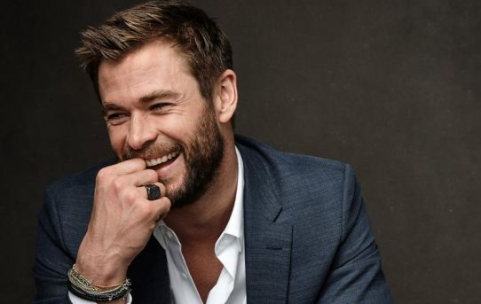 Chris Hemsworth height, Early Life, Career, Achievements, And Net Worth